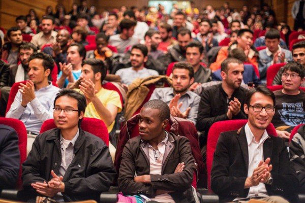 بورسیه تحصیلات تکمیلی به دانشجویان غیرایرانی